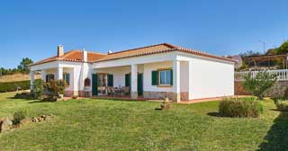 house sitting service in portugal
